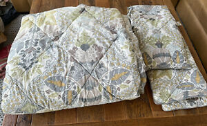 POTTERY BARN Queen Bedding Comforter + 2 Euro Shams