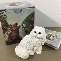 White Persian Cat figurine blue eyes Stone Critters SC-189 vintage 1989 with box
