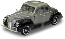 "1:18 1940 Ford Deluxe (Grey) ""Timeless Classics"" Motor Max Diecast Model"
