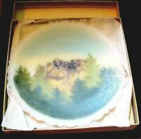 Fenton Glass  Mount Rushmore plate 4 Presidents Hand Painted On Opal Satin MIB