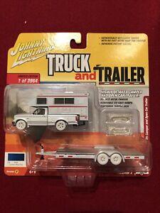 Johnny Lightning Truck & Trailer 1993 Ford F150 & Camper White Lightning Chase