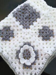 New Crochet granny square  baby blanket 21 x25 inch for pram buggy cot Retro