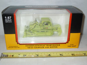 Municipal Services International TD-25 Crawler   By First Gear 1/87th Scale