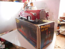 PHOTOING ON CAR TOLE TIN TOY  ME 630 MECANIQUE MYSTERY ACTION ROUGE