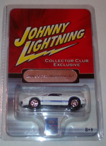 Jonny Lightning  2005 FORD MUSTANG GT  scale 1:64  MIB COLLECTOR CLUB EXCLUSIVE