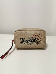 NWT Coach 91062 Boxy Cosmetic Case Make-up Bag Horse Carriage Heart's Purse $150