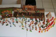 lot figurines starlux clairet britains cyrnos ETC....& batiments ceji + decors