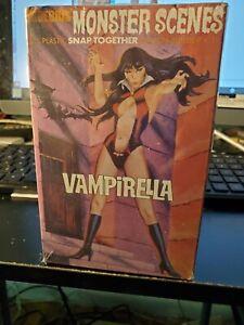 Vampirella model kit Monster Scenes Moebius 2010