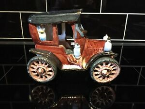 YN Fine Art Ceramic Classic Car Hand Crafted Ornament Figurine Collectable