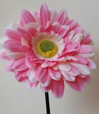 VW beetle flower pink/white gerbera dashboard vase flower, universa fiat 500