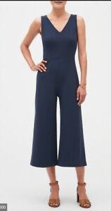 Banana Republic Petite V-Neck Cropped Jumpsuit Size 4P- *****NAVY****- NWT