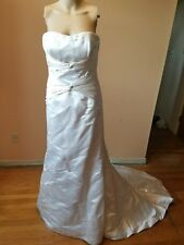 Bellissima Couture wedding dress Ivory 100% silk size 8 strapless style Roma