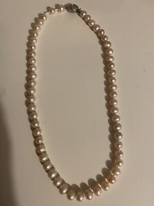 Beautiful real pink pearl necklace