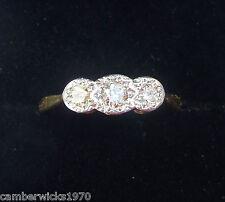 Antiguo Art Deco 18ct Oro Platino y Diamante Anillo de piedra de tres, Talla K
