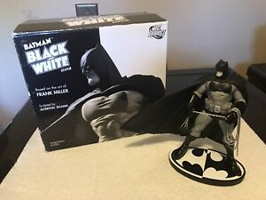 Batman Black and White statue Frank Miller figure 1st Edition  (damaged)