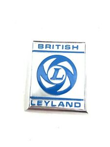 CZH2717 - BRITISH LEYLAND HOUSE BADGE MG AUSTIN MORRIS MINI  A PANEL/WING FITTED