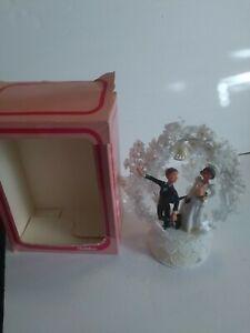 Vintage Wilton Chicago 1972 Humorous Bride & Groom Wedding Cake Topper Set