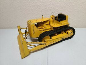 Caterpillar Cat D7 Dozer - Reuhl 1:24 Scale Model Used