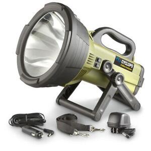 New Cyclops Colossus 18-Million Candlepower Spotlight Flashlight W/ Batteries