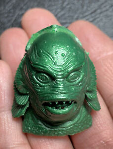 DETAILED HEAD OF CREATURE FROM THE BLACK LAGOON UNIVERSAL MONSTER MODEL PEZ TOY?