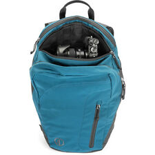 Tamrac HooDoo 18 Backpack (Ocean) room for your camera and hiking essentials