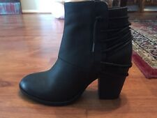 Steve Madden Black Lace Up Detail Leather Booties Size 8.5