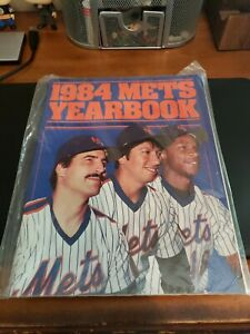 New York Mets 1984 Yearbook. Great Condition. MLB.