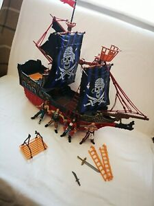 RARE Chap Mei pirate ship with Figures& Accessories.