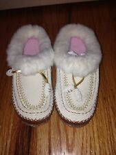 LAND'S END KIDS GIRLS FAUX FUR BEIGE SUEDE EMBROIDERED SLIPPERS MOCASSINS SZ 5