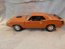 Ertl Diecast Model Car 1971 Plymouth Barracuda Cuda Hemi Orange