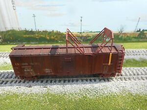 HO Scale  CP 40 ' Box Car with Ice Breaker   #410001 Trueline Trains