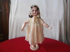 Robe ancienne de poupée, en tulle et soie