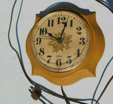 Vintage Electric Sunbeam Flower Looking Kitchen Wall Clock Works!