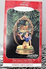 SNOW WHITE HALLMARK ORNAMENT Enchanted Memories 1998 Disney Collectible NEW