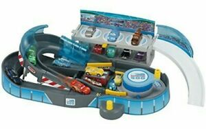 Tomica Disney Cars Round and Race! 2way Circuit First Edt w/ Lightning McQueen