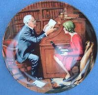 KNOWLES HERITAGE COLLECTION 1986 NORMAN ROCKWELL THE PROFESSOR COLLECTOR PLATE