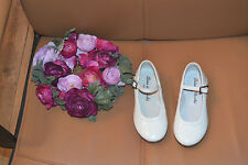 chaussure neuve cuir tartine et chocolat pointure 25 blanche vernie