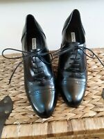 ALFANI women's oxford shoes black leather laced up heel pre- loved 9 M.