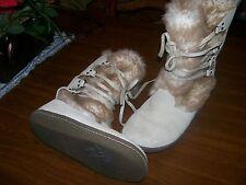 Air Walks  Women's 6.5 M Beige Suede Leather Fleece lined Winter boots. $14.00