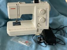 Janome 7025 Beginner Sewing Machine 24 Stitch Options Electronic Foot Speed