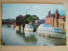 Postcard - THE LLANGOLLEN CANAL, ELLESMERE.  Unused. Standard size.