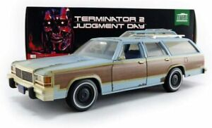 GREENLIGHT 19085 FORD LTD COUNTRY SQUIRE 1979 model from TERMINATOR 2 1991  1:18