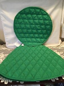 Dinner Table Place Mat Green Quilted Wedge Shape Set of 5 plus 1 Round