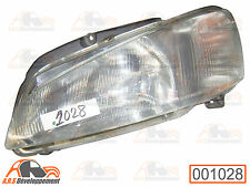 Optique de phare de Peugeot 106 - 1028 -