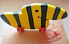 ENTE Holzspielzeug zum Nachziehen mit Schnur gelb-schwarz gestreift ca. 35 x 20