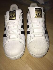 Adidas Originals Superstars -Women's