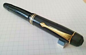 Vintage Oversize 'Big Ben' Fountain Pen with Huge Flexible 14K #8 Gold Nib