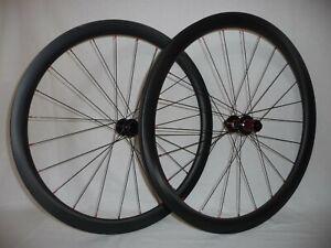 Light and extra wide 40mm deep (22mm int) disc brake gravel/road bike wheels