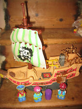 PIRATE SHIP WHEELS SAIL ACTION PLAY FIGURES BARREL LIFT UP FLOOR STEERING WHEEL