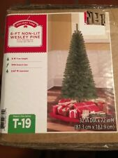 Holiday Time Green 6' Wesley Pine Artificial Non-Lit 378 Tips Christmas Tree NEW